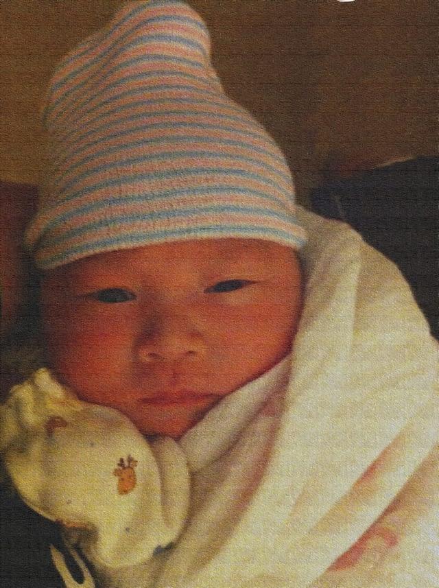 Lisa渐渐脱离了新生儿的样子,开始变得漂亮了。